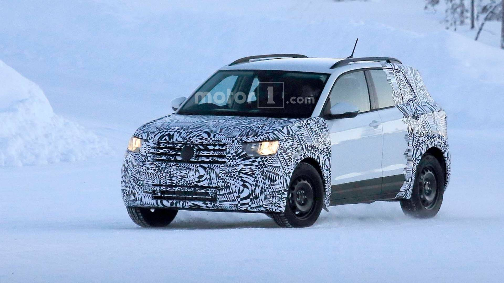 Кроссовер Volkswagen T-Cross уже на тестах 1