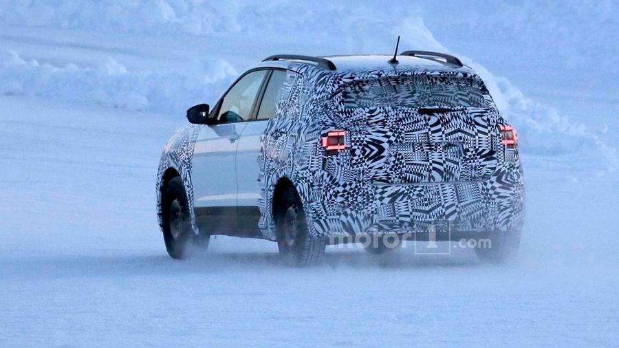 Кроссовер Volkswagen T-Cross уже на тестах 2