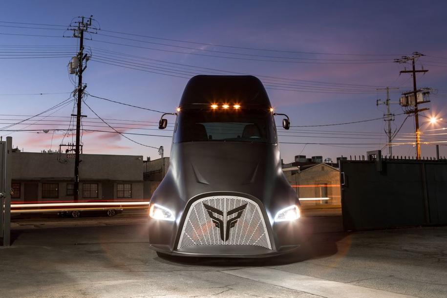 У грузовика Tesla Semi появился серьезный конкурент 1