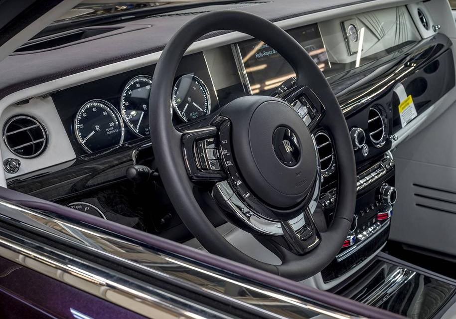 Первый Rolls-Royce Phantom продадут на Фестивале вина 2