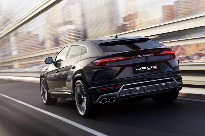 Первый кроссовер Lamborghini официально представлен 3