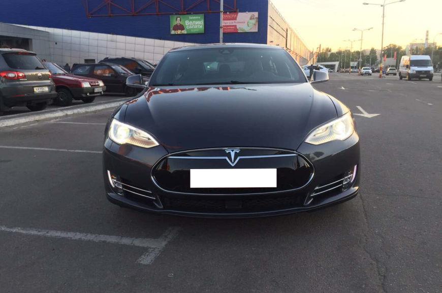 Немцы обвиняют компанию Tesla в завышении цен на электрокары 1