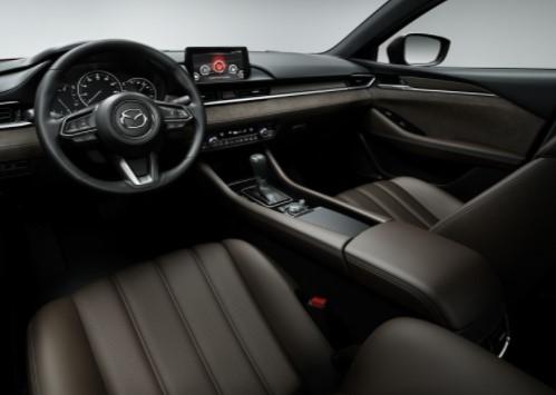 Рестайлинговая Mazda6 официально представлена 2