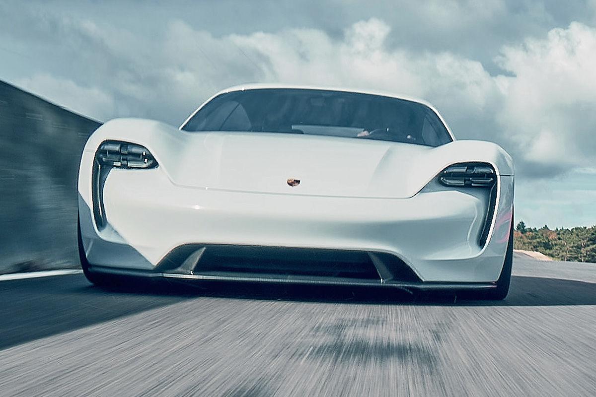 «Лесной царь»: тест-драйв концепта Porsche Mission E 3