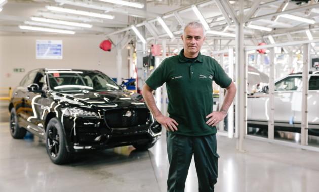 Жозе Моуриньо поработал сборщиком автомобилей Jaguar 2