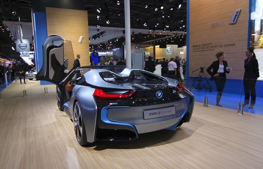 Названа дата дебюта BMW i8 Roadster 3