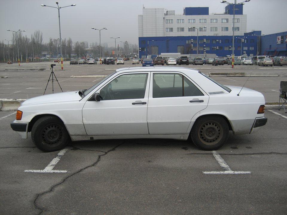 «Автомобиль за 3000 долларов»: тест-драйв Mercedes-Benz 190 2