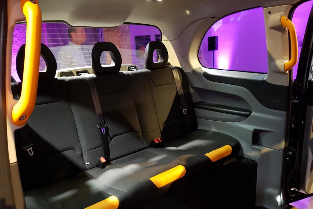 Лондонские таксисты пересаживаются на очень экономичные автомобили 3