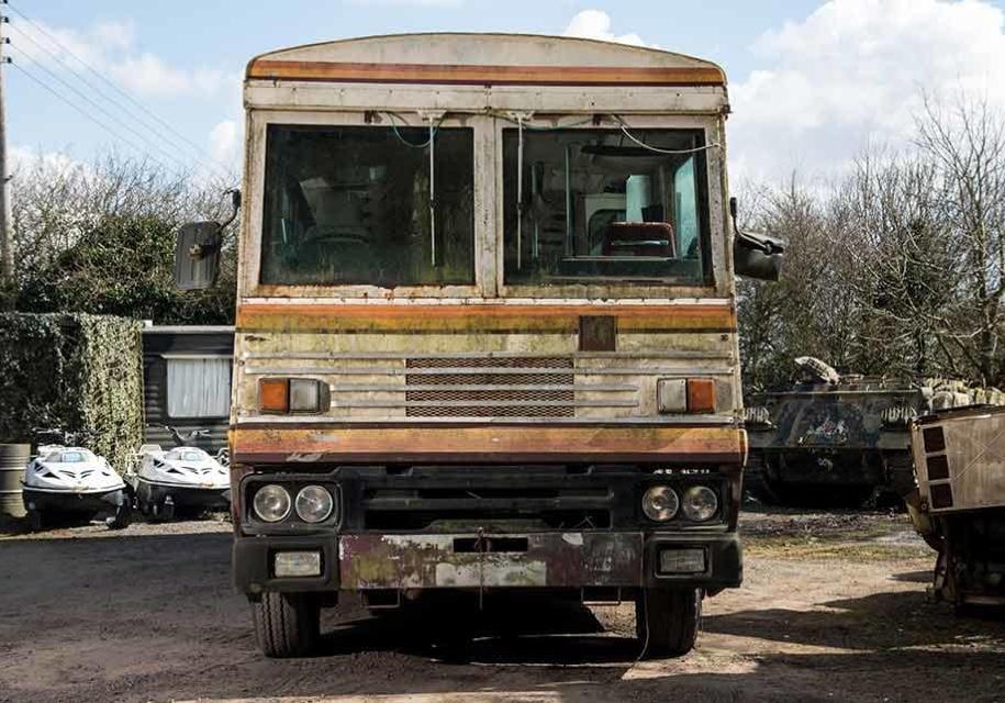 Бронированный автобус Маргарет Тетчер продадут «за копейки» 1