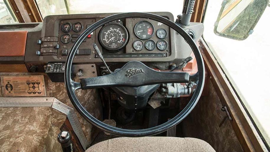 Бронированный автобус Маргарет Тетчер продадут «за копейки» 2