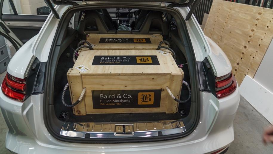 Три универсала Porsche использовали для перевозки 300 килограммов золота 2