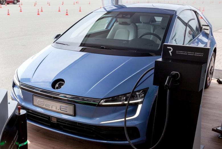 Когда дебютирует новый Volkswagen Golf 2