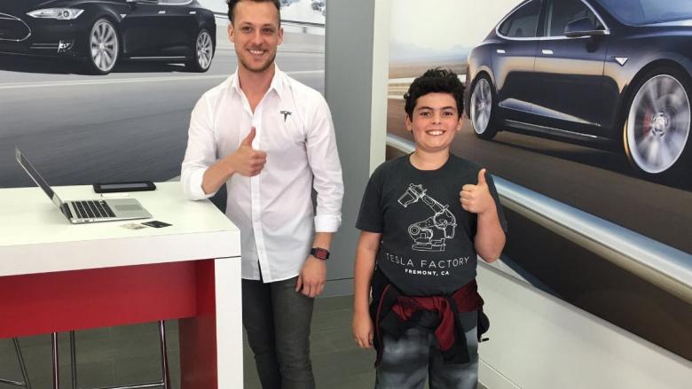 Самым молодым покупателем Tesla стал 14-летний ребенок 1