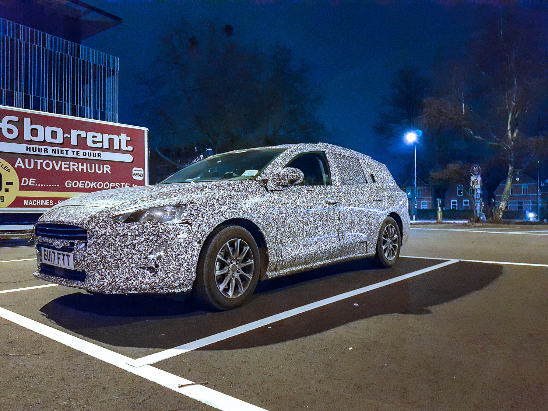 Опубликованы шипонские фотоснимки нового универсала Ford Focus 1