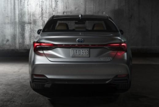 Toyota представила Avalon нового поколения 2