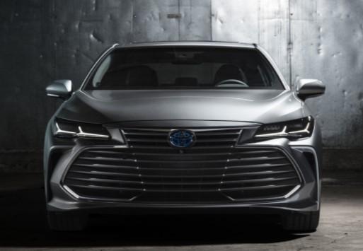Toyota представила Avalon нового поколения 1