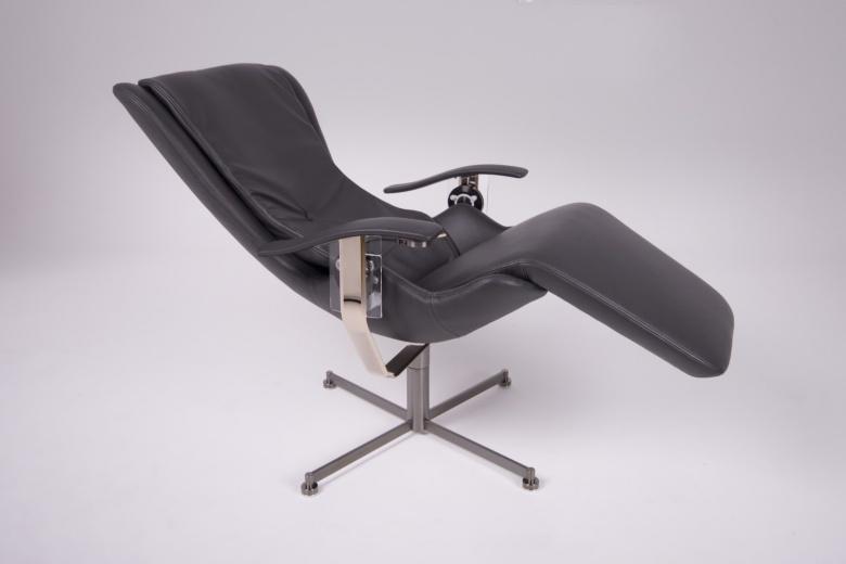 Rolls-Royce выпустил офисное кресло за 50 000 долларов 1