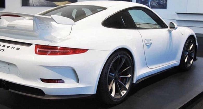 Сразу 18 никому не нужных гоночных Porsche выставили на торги 2