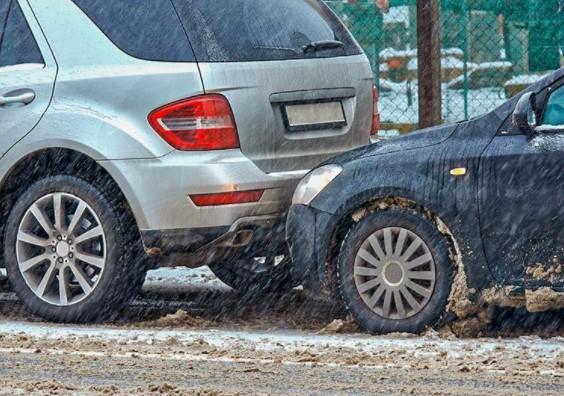Как не нужно ездить зимой: главные ошибки водителей 1