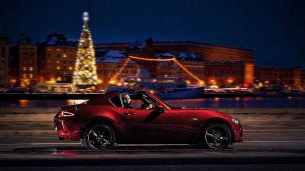 Новогодние поздравления и открытки от автопроизводителей 5