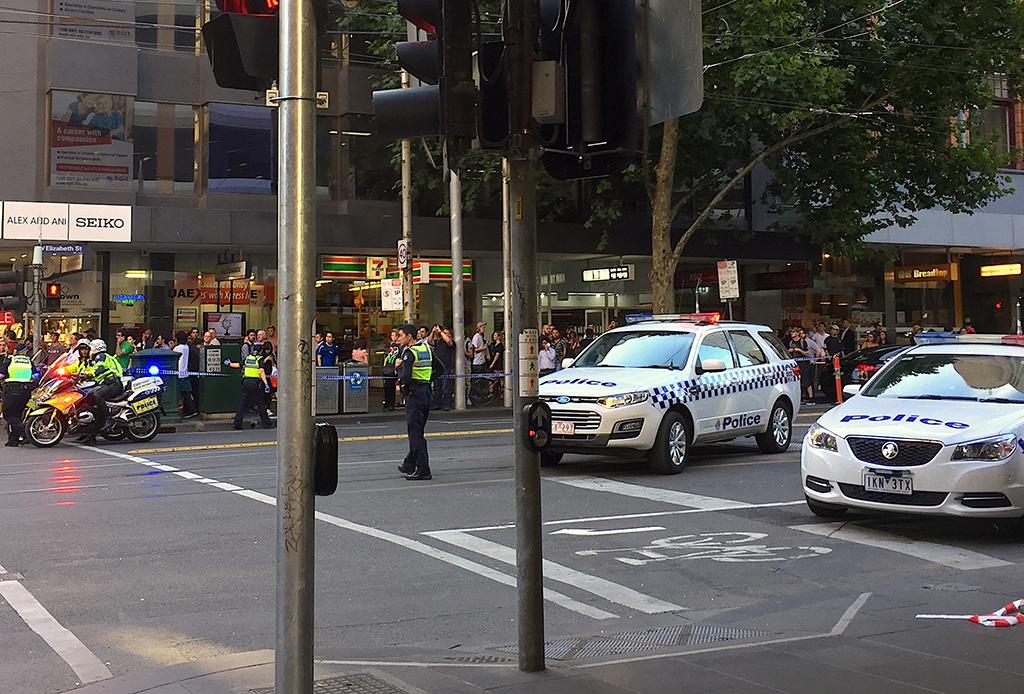 Внедорожник протаранил толпу пешеходов 1