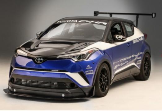 Toyota представила целый ряд тюнингованных седанов Camry 1