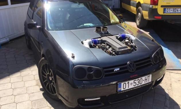 Volkswagen Golf превзошел Bugatti Chiron 1