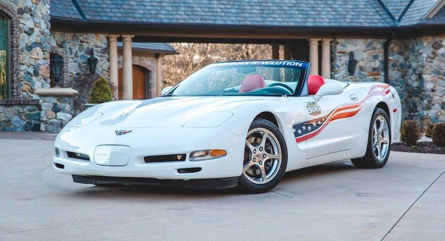Коллекцию пейс-каров Chevrolet Corvette пустят с молотка 2