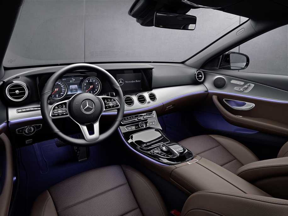 Mercedes-Benz E-Class стал «заряженным» гибридом 4