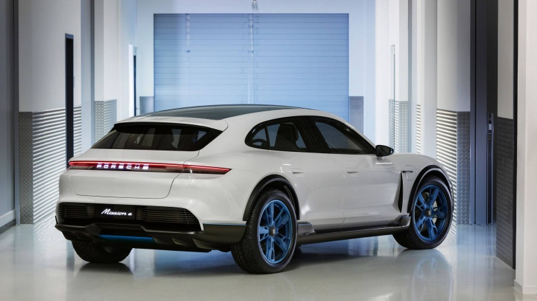 Porsche представила автомобиль со всеми поворотными колесами 2