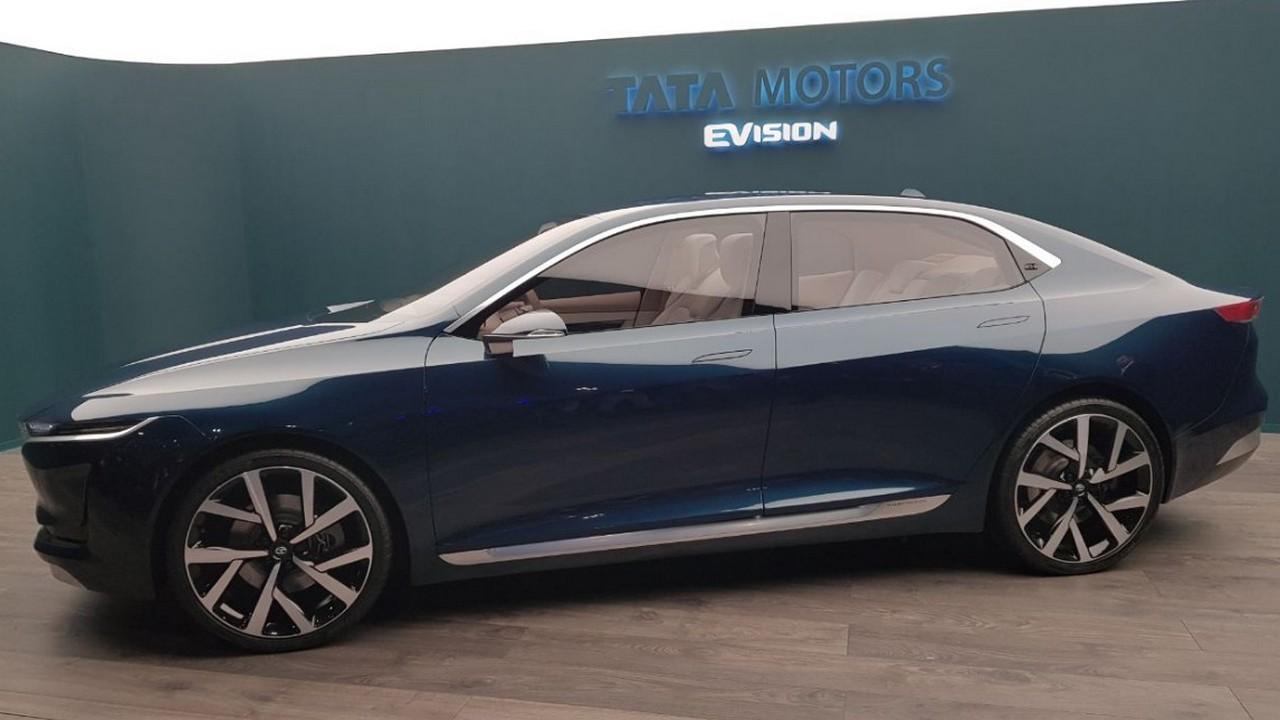 Индусы презентовали в Женеве стильный автомобиль 2