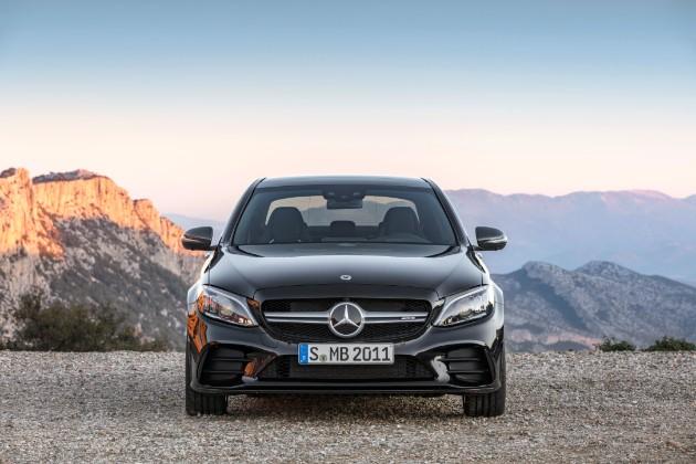 Mercedes-AMG C 43 станет еще мощнее 1