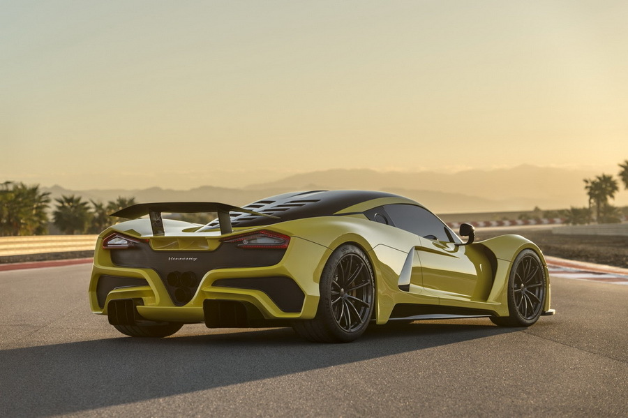 Chiron остался позади: в США представили самый быстрый в мире серийный автомобиль 2