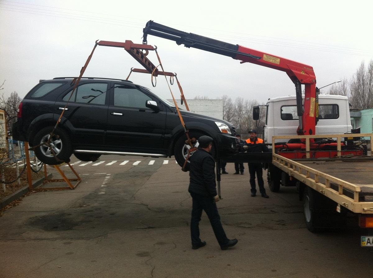 Верховная Рада разрешила эвакуировать автомобили за нарушения правил парковки, зафиксированные в фото- и видеорежиме 1