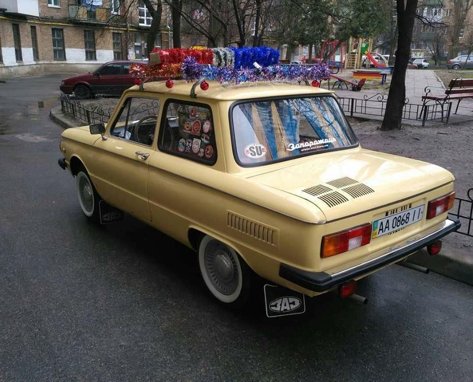 По улицам Киева колесит «полицейский» Запорожец 2
