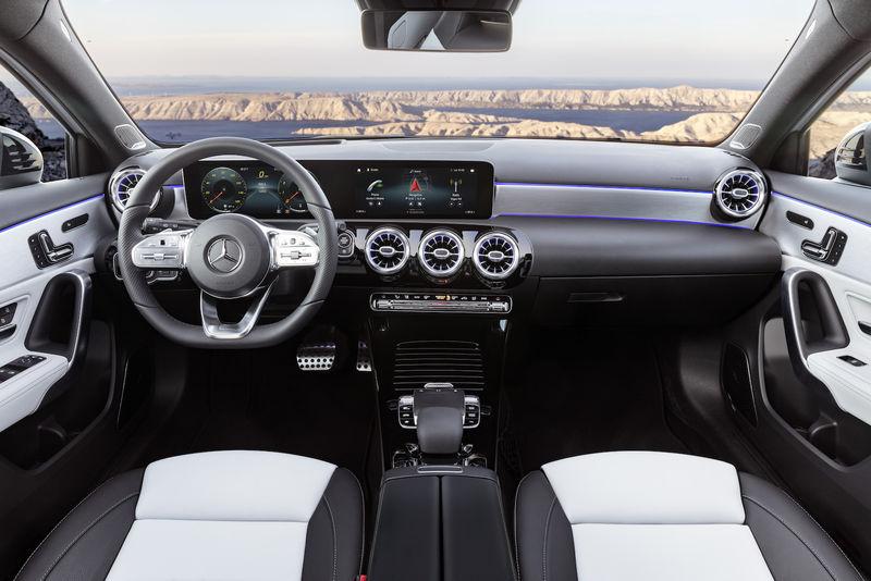 Mercedes-Benz представил новый A-Class 3