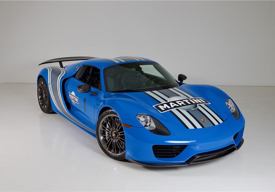 Самый яркий Porsche выставили на торги 1