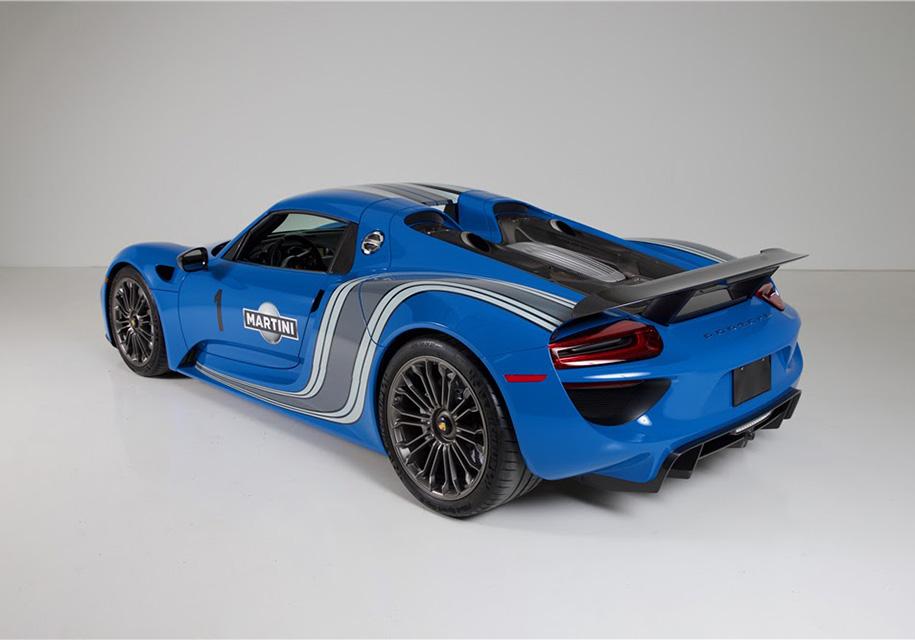 Самый яркий Porsche выставили на торги 2