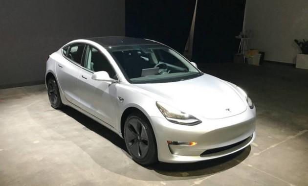 «Когда успели?»: продается Tesla Model 3 уже с пробегом 1