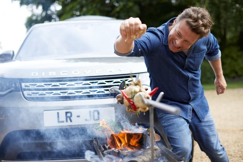 Для известного повара Land Rover Discovery «превратили» в полноценную кухню 2