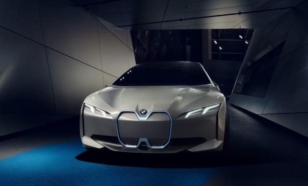 Компания BMW попросила помощи в развитии технологий 1