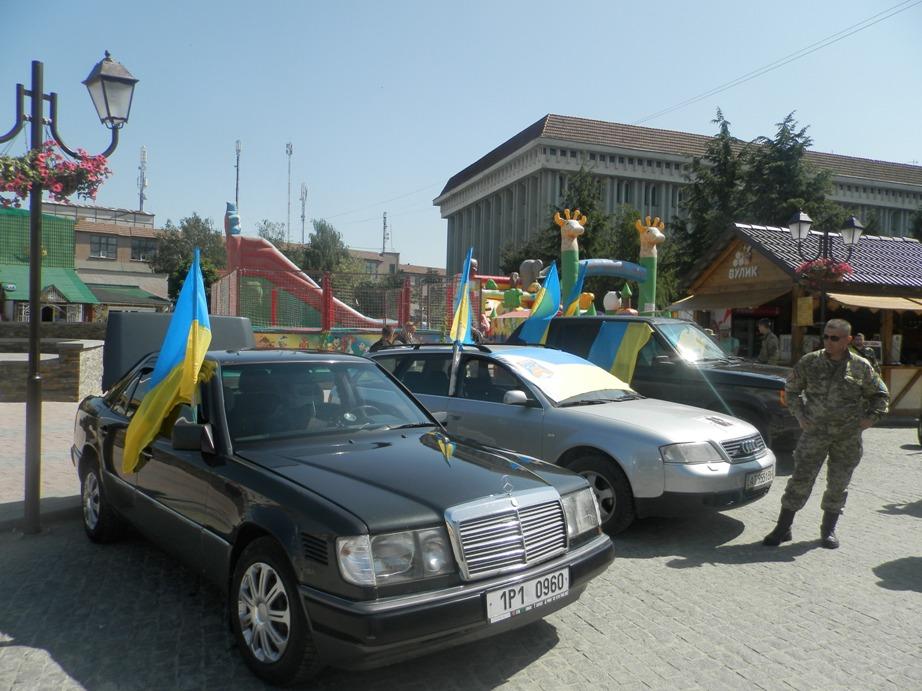 Волонтеров штрафуют за передачу автомобилей в зону АТО 2