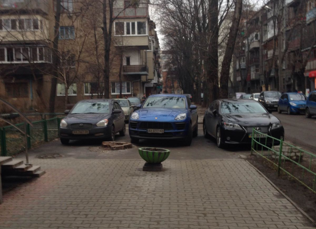 «Паркуюсь, где хочу». ФОТО 1