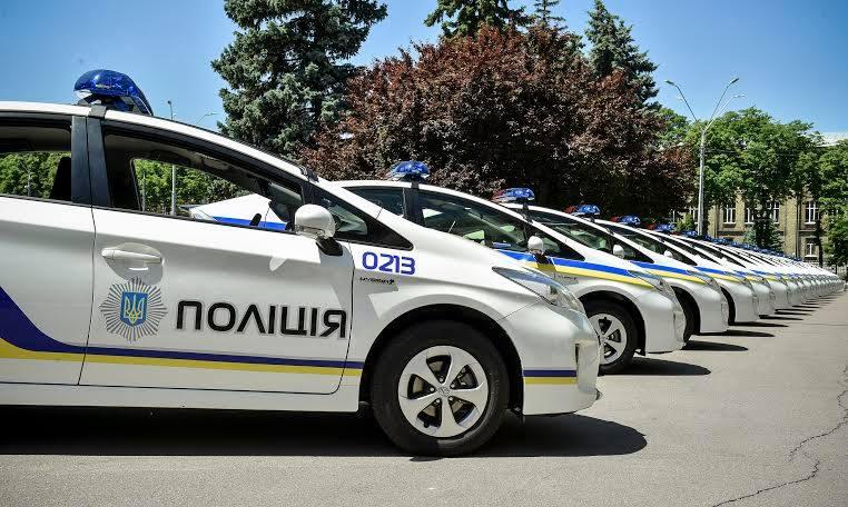 Полицейские устанавливают более тщательный контроль над автомобилями и пешеходами 2
