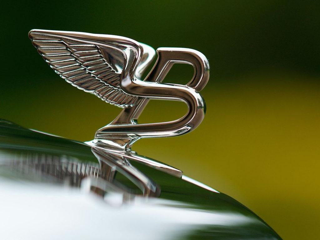 Bentley интригует новой моделью 1