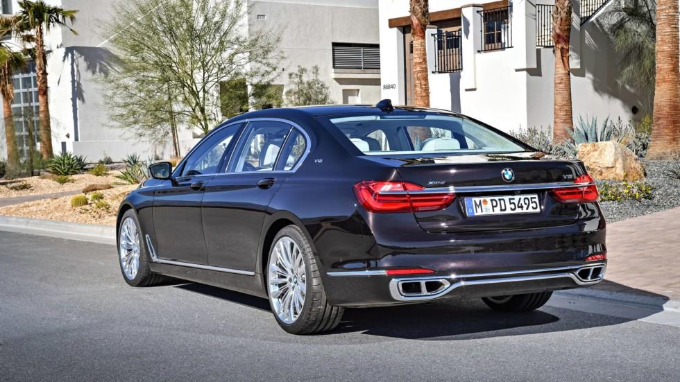 BMW откажется от 12-цилиндровых двигателей 1
