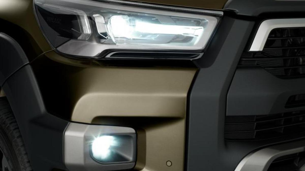 Toyota презентовала пикап Hilux, с 200-сильным двигателем 3