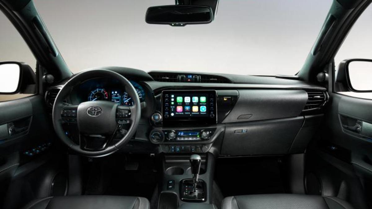 Toyota презентовала пикап Hilux, с 200-сильным двигателем 5