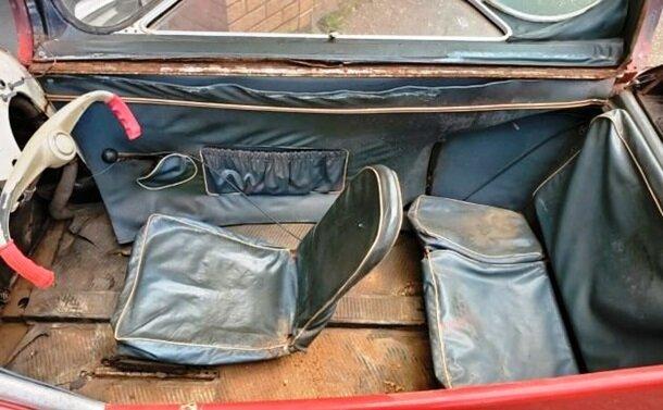 Коллекционер продает уникальный автомобиль 60-х: Разгоняется до 90 км/час на трех колесах (фото) 3