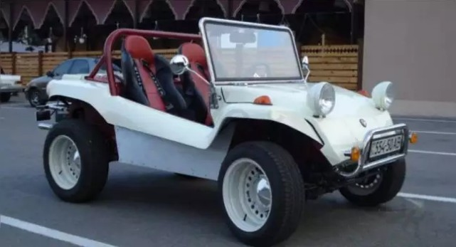 Украинский умелец превратил старый горбатый Запорожец-968 в уникальный автомобиль-сафари 1